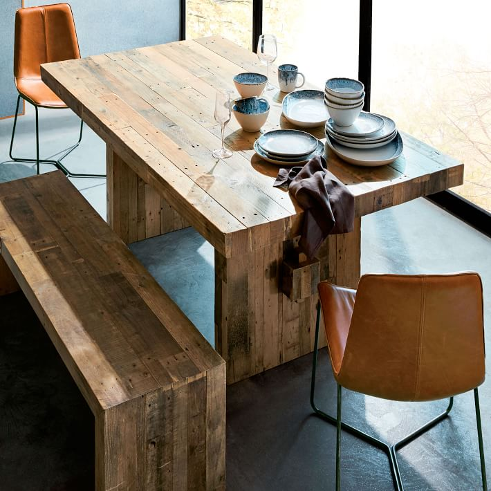 Lounge area table - why a solid wood table is the best choice